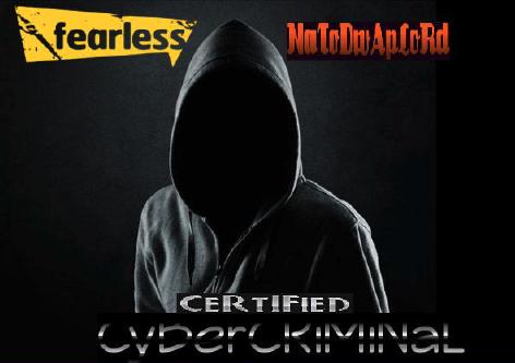 2017年のFacebookアカウントには、パーカーを着た顔のない人物の背景画像と、「certified cybercriminal(認定サイバー犯罪者)」という言葉が掲げられていた